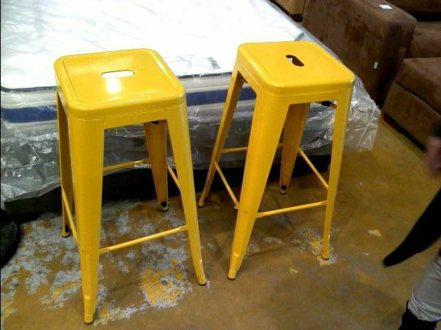 tabouret jaune style industriel d 39 occasion. Black Bedroom Furniture Sets. Home Design Ideas
