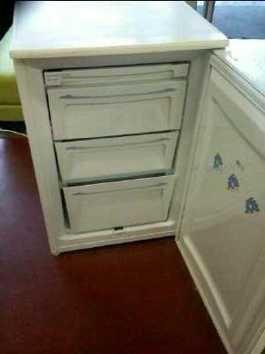 Congelateur armoire bluesky table de cuisine - Congelateur armoire carrefour ...